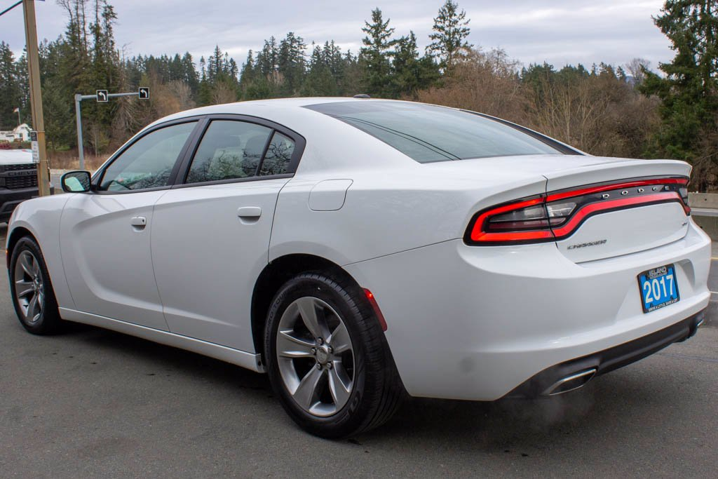 Pre-Owned 2017 Dodge Charger SXT, 3.6L V6, Heated Seats, Sunroof